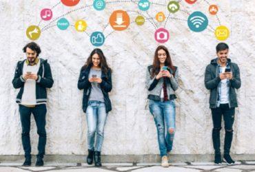 نقش شبکه های اجتماعی در بهبود وفاداری و ارتباط با مشتری