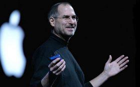 با ترفندهای استیو جابز به سخنرانان بهتری تبدیل شوید