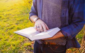 4 کتاب بازاریابی که هر فروشندهای قبل از فروش هر چیزی باید بخواند